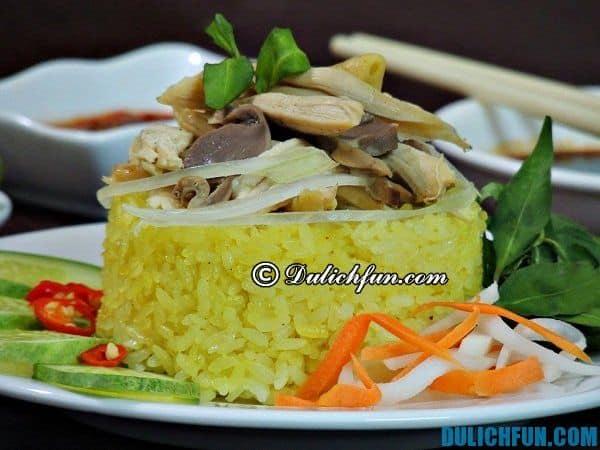 Cơm gà phố Hội một trong những món ăn ngon Hội An khi đi du lịch Quảng Nam.