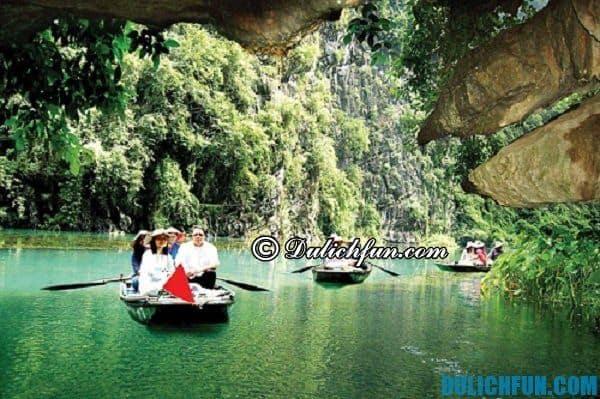 Hướng dẫn du lịch Thung Nham - địa điểm tham quan nổi tiếng