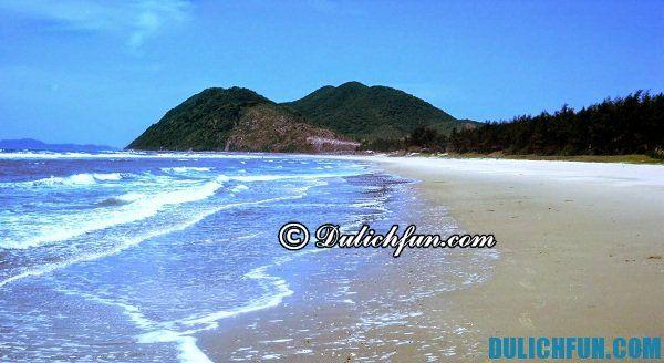 Kinh nghiệm du lịch đảo Quan Lạn, bãi biển Quan Lạn đẹp và hấp dẫn, nước biển trong lành, mát mẻ.