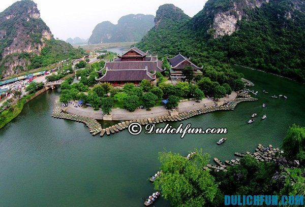 Khu danh thắng Tràng An điểm du lịch hấp dẫn nổi tiếng ,đang thu hút đông đảo du khách ghé thăm, kinh nghiệm du lịch Tràng An đầy đủ nhất