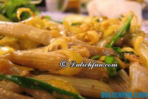 Đặc sản Quảng Ninh, món sá sùng thơm ngon, giàu dinh dưỡng. Đây là món ăn rất đắt bởi vì kiếm được sá sùng rất khó, và kì công. Kinh nghiệm du lịch Quảng Ninh
