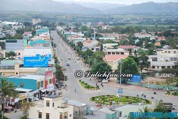Kinh nghiệm du lịch Kon Tum tự túc, giá rẻ: Thành phố Kon Tum, một trong những thành phố trẻ đang trên đà phát triển, địa điểm thu hút khách du lịch ghé thăm