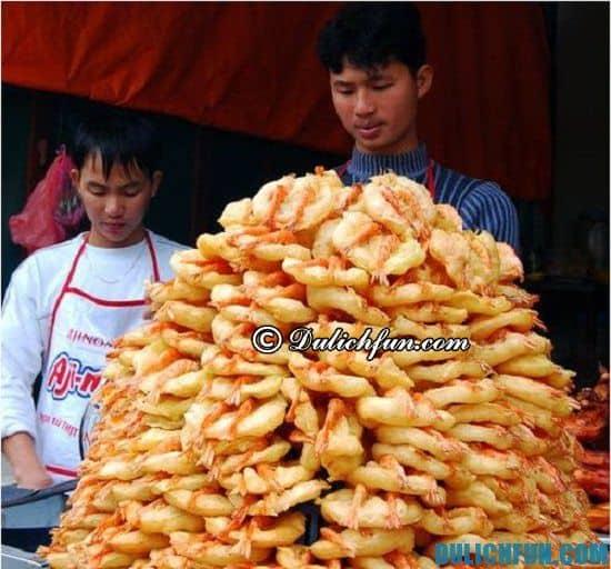 Món ăn đáng thưởng thức nhất khi du lịch Hà Nội.Những món ăn đặc sản ở Hà Nội ngon, hấp dẫn nên thử. Đi chơi, du lịch Hà Nội nên ăn gì, ở đâu ngon, rẻ và sạch sẽ nhất