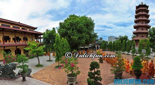 Những ngôi chùa nổi tiếng ở Huế - chùa Từ Đàm. Ngôi chùa đẹp linh thiêng ở Huế.