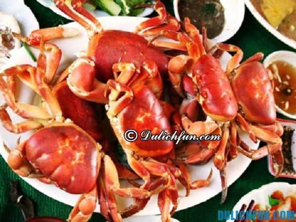 Cua đá trên đảo Cù Lao Chàm món ăn giàu dinh dưỡng, giá cao, nhưng ngon và hấp dẫn khi du lịch tới đảo Cù Lao Chàm