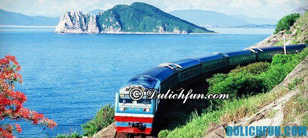 Hướng dẫn đường đi du lịch Lăng Cô: Di chuyển tới Lăng Cô bằng nhiều phương tiện như máy bay, tàu hỏa, thậm chí là phượt bằng xe máy