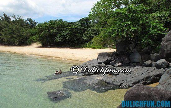 Hướng dẫn du lịch Côn Đảo tự túc, giá rẻ: bãi tắm đẹp ở Côn Đảo