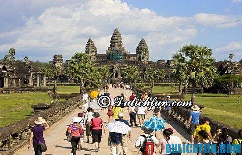 Kinh nghiệm du lịch khám phá Angkor Wat chi tiết nhất: những vật dụng cần thiết mang theo khi khám phá Angkor Wat