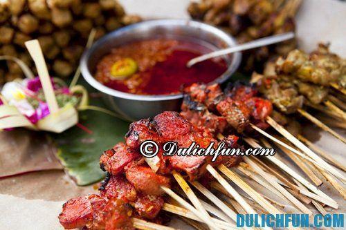 Du lịch Kuala Lumpur ăn gì ngon? Thịt xiên nướng Satay món ngon đường phố ở Kuala Lumpur