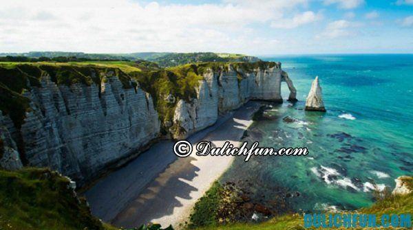 Biển Étretat bãi biển đẹp nhất nước Pháp, bãi biển nổi tiếng ở Pháp