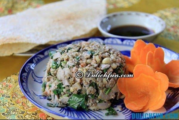 Đặc sản ở Huế, vả trộn tôm tươi. Quán ăn ngon nổi tiếng ở Huế. Ăn đặc sản Huế ở đâu ngon?