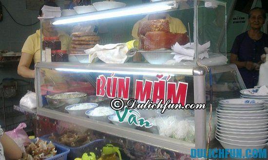 Địa chỉ ăn sáng ngon giá rẻ ở Đà Nẵng: Món ăn sáng đặc sản ở Đà Nẵng