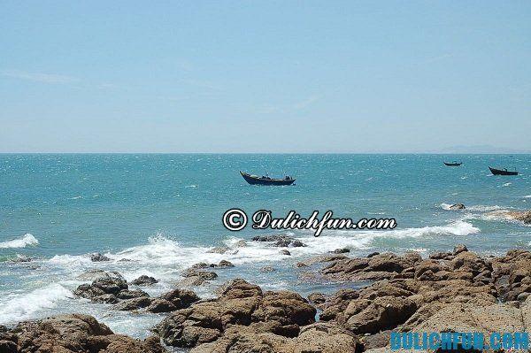 Địa danh du lịch nổi tiếng ở Phan Thiết- Hòn Rơm, địa điểm du lịch nổi tiếng của Phan Thiết.