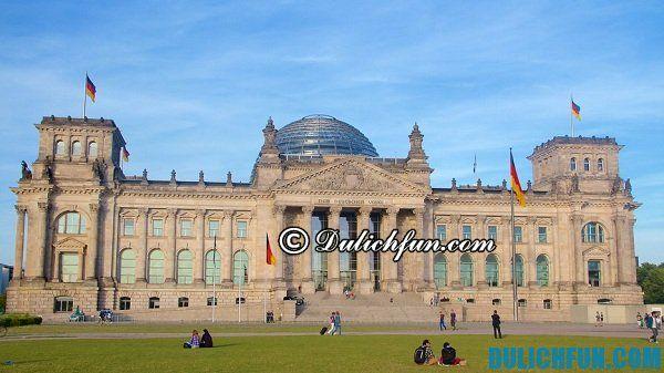Reichstag tòa nhà chính phủ ở Berlin, địa điểm du lịch nổi tiếng ở Berlin. Du lịch Đức, khám phá điểm tham quan đẹp ở Berlin