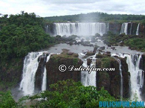 Địa điểm du lịch hấp dẫn thác nước bản Giốc