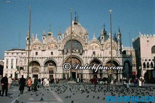 Kinh nghiệm du lịch Venice - Những địa điểm du lịch hấp dẫn ở Venice: quảng trường Piazza San Marco nổi tiếng