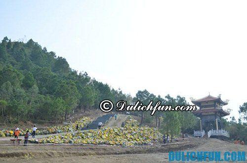 Du lịch Vũng Chùa - Đảo Yến : thăm mộ Đại tướng Võ Nguyên Giáp