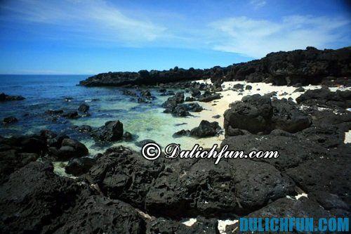 Hướng dẫn du lịch Trà Cổ - Móng Cái: Bãi Đá Đen