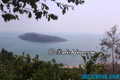 Hướng dẫn kinh nghiệm du lịch Vũng Chùa - Đảo Yến: Ngắm cảnh từ trên núi Thọ Sơn