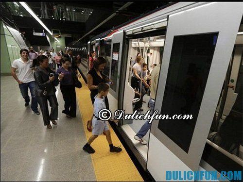 Kinh nghiệm du lịch Italia giá rẻ - Phương tiện di chuyển ở Italia: tàu điện ngầm phương tiện di chuyển chính ở Italia