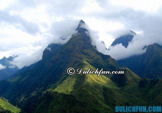 Hướng dẫn du lịch Hà Tĩnh chi tiết: Núi Hồng Lĩnh, địa điêm tham quan, du lịch nổi tiếng nhất ở Hà Tĩnh không nên bỏ lỡ