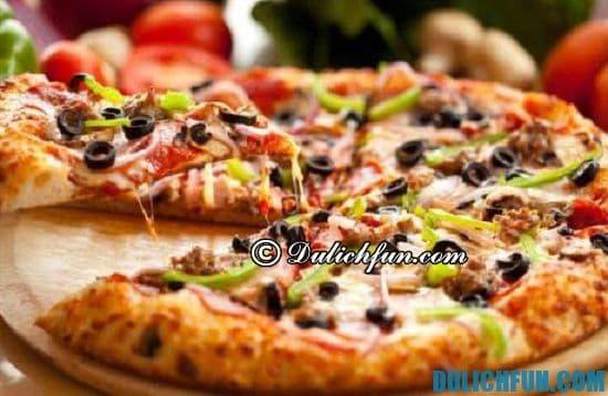 Du lịch Canada ăn món gì? Pizza kiểu Canada, món ăn ngon, hấp dẫn ở Canada nhất định bạn phải thử