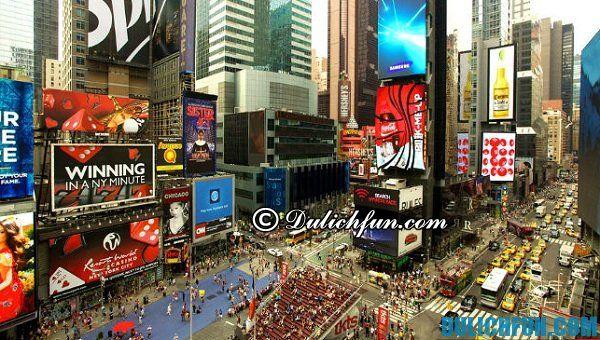 Times Square, địa điểm du lịch miễn phí lừng danh ở New York, địa điểm du lịch miễn phí hấp dẫn ở New York thu hút du khách. Khám phá những địa điểm du lịch đẹp hấp dẫn ở New York không mất phí