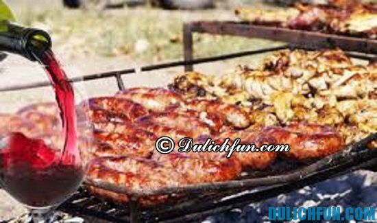 Ăn gì khi du lịch Argentina? Bít tết Llama, món ăn ngon, hấp dẫn ở Argentina