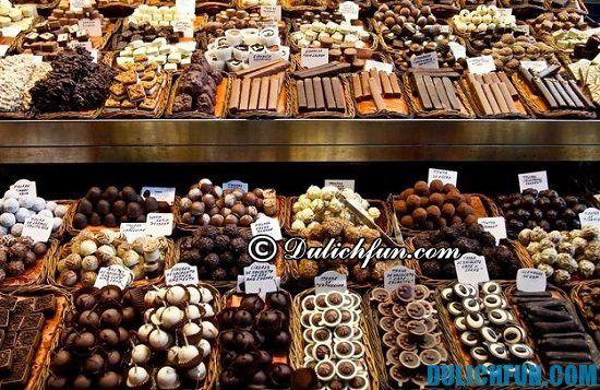Mua gì làm quà khi du lịch Singapore? Socola và bánh kẹo, món đồ nên mua làm quà du lịch Singapore