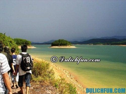 Hướng dẫn du lịch biển Thiên Cầm: Địa điểm vui chơi hấp dẫn ở biển Thiên Cầm