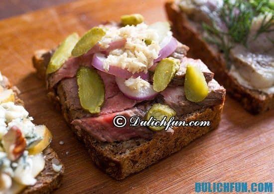 Kinh nghiệm du lịch Copenhagen: Ăn gì khi du lịch Copenhagen? Bánh mì Smorrebrod, món ăn ngon, đặc sản nổi tiếng ở Copenhagen