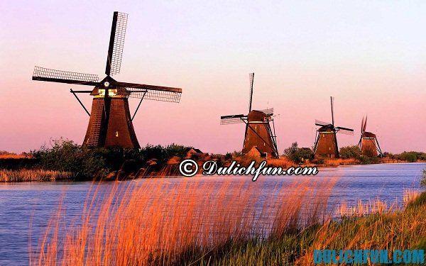 Làng Kinderdijk địa điểm du lịch lý tưởng ở Hà Lan, danh lam thắng cảnh nổi tiếng ở Hà Lan. Những địa chỉ du lịch nổi tiếng ở Hà Lan. Du lịch Hà Lan chơi ở đâu đẹp, nổi tiếng