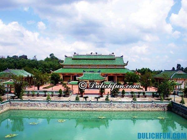 Văn Miếu Trấn Biên địa chỉ du lịch vui vẻ, thú vị ở Biên Hòa. Du lịch Biên Hòa nên chơi ở đâu.