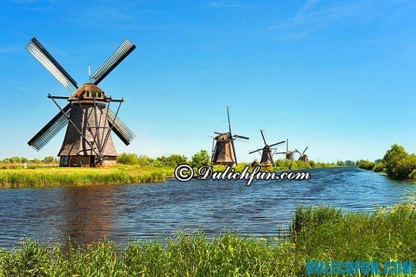 Làng Kinderdijk, địa điểm du lịch nổi tiếng ở Rotterdam - Du lịch Rotterdam nên đi đâu chơi, tham quan? Danh lam cảnh đẹp ở Rotterdam