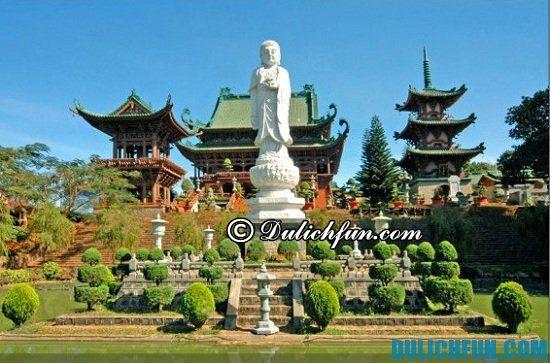 Kinh nghiệm du lịch Pleiku giá rẻ: Du lịch Pleiku có gì thú vị? Chùa Minh Thành, địa điểm tham quan du lịch nổi tiếng nhất ở Pleiku