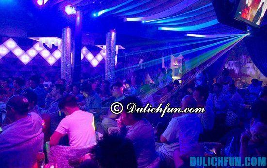 Nên đi đâu ở Sài Gòn buổi tối? Những quán cà phê DJ, địa điểm vui chơi hấp dẫn ở Sài Gòn buổi tối sôi động và nhộn nhịp