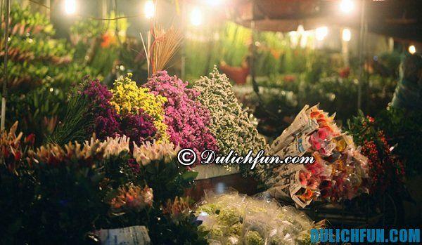 Chợ hoa đường Hoàng Hoa Thám
