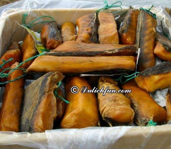 Ăn gì khi du lịch Iceland? Các mập thối Hakarl, món ăn ngon, đặc sản nổi tiếng ở Iceland -Kinh nghiệm du lịch Iceland