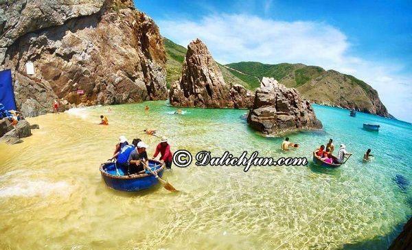 Check in ngay 8 bãi tắm đẹp nhất Quy Nhơn, Bình Định. Những bãi biển đẹp ở Quy Nhơn, Bình Định nên tới. Top bãi tắm đẹp ở Quy Nhơn