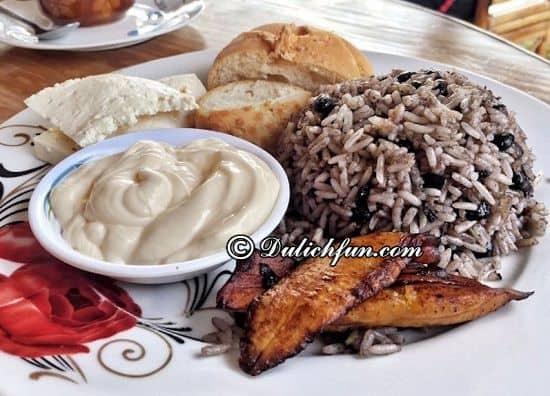 Ăn gì khi du lịch Costa Rica? Gallo Pinto, món ăn ngon, nổi tiếng ở Costa Rica