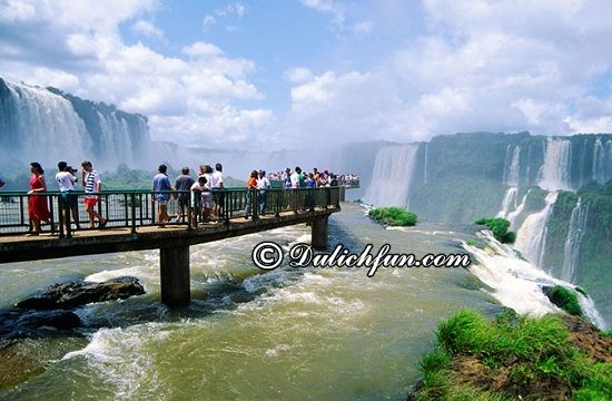 Du lịch Brazil có gì thú vị? Thác Iguazu, địa điểm du lịch nổi tiếng nhất ở Brazil