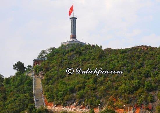 Du lịch Đồng Văn có gì thú vị? Lũng Cú, địa điểm tham quan, du lịch nổi tiếng nhất ở Đồng Văn