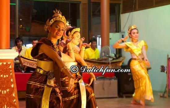 Nên ăn ở đâu khi du lịch Pattaya? Nhà Hàng Thái Ruen, địa điểm nhà hàng ăn ngon ở Pattaya bạn không nên bỏ lỡ