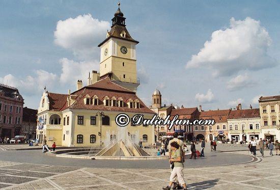 Kinh nghiệm tham quan, vui chơi, lịch trình du lịch Romania: Du lịch Romania nên đi chơi đâu? Thành phố Braşov, địa điểm du lịch hấp dẫn ở Romania