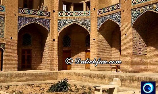 Kinh nghiệm du lịch Iran - Nên ở đâu khi du lịch Iran giá rẻ và tiết kiệm? Nhà nghỉ, khách sạn nổi tiếng ở Iran