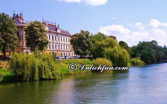 Chia sẻ kinh nghiệm du lịch Romania an toàn, thuận lợi. Tổng hợp kinh nghiệm du lịch Romania đầy đủ, chi tiết