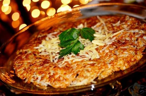 Những món ngon truyền thống của Thụy Sĩ - Ẩm thực Thụy Sĩ. Du lịch Thụy Sĩ nên ăn gì? Món ăn nổi tiếng nên thử khi tới Thụy Sĩ.