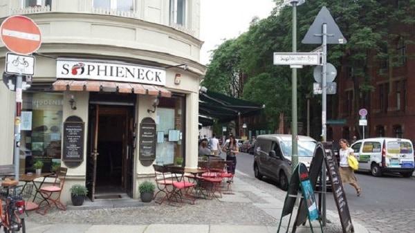 Những nhà hàng nổi tiếng ở Berlin ngon, bổ, rẻ. Du lịch Berlin nên ăn uống ở đâu? Địa chỉ ăn uống ở Berlin chất lượng nên tới