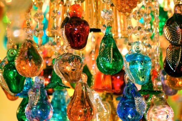 Du lịch Ý nên mua gì làm quà? Sản phẩm đặc trưng nên mua ở Ý. Những món đồ, quà lưu niệm, sản phẩm đặc trưng nên mua khi du lịch Ý