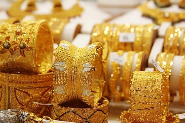 Du lịch Dubai nên mua gì làm quà? Đồ lưu niệm Dubai. Những món đồ đậm chất Dubai nên mua làm quà. Đặc sản Dubai nên mua về làm quà